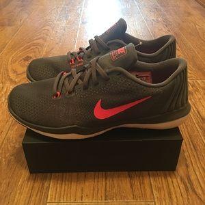 [Nike] Flex Supreme TR 5 Women's Running Shoes